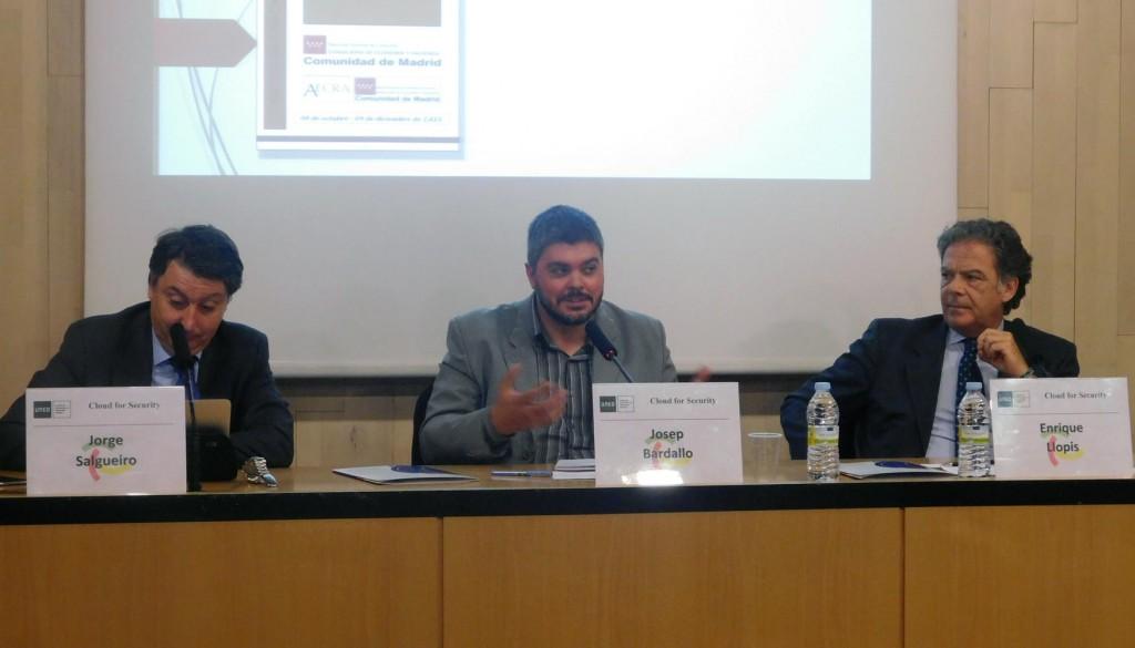 Fuente: http://www.interempresas.net Jorge Salgueiro, de AECRA; Josep Bardallo, SVT-Eurocloud; y Enrique Llopis, Drooms-Eurocloud.